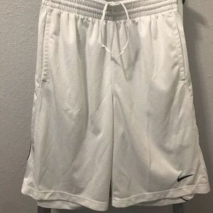 Nike Men's Basketball Shorts - Size M (Pre-Owned)